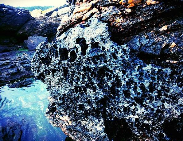 Hole Fleabag Vacation Fleabags Travel Rock Pillar
