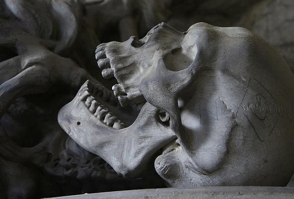 Skull Mind Graveyard Genoa Cemetery Scare Teeth Fa