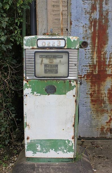 Fuel Petroleum Vintage Out-of-date Esso Benzine Ga