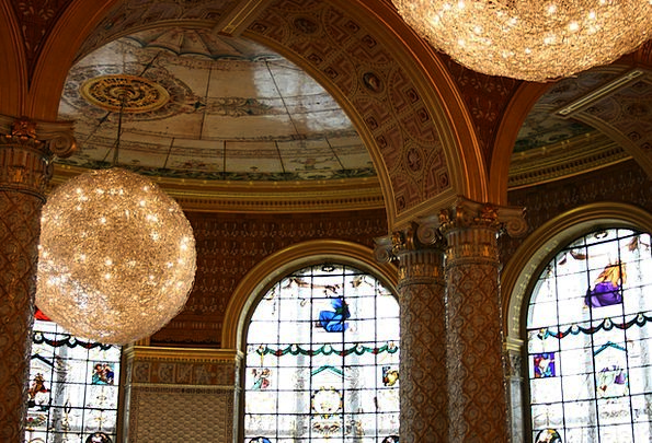 Victoria And Albert Museum Balls Spheres Arcos Dec