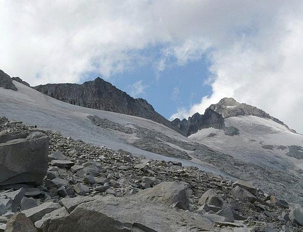 Pico Aneto Landscapes Nature Mountain Crag Glacier