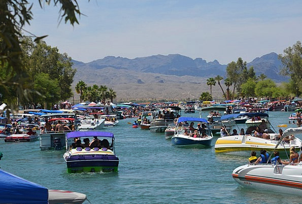 London Bridge Boats Ships Lake Havasu Sun Arizona