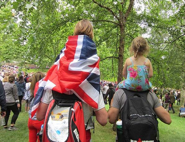 Family Domestic London Hyde Park Flag Standard Fan