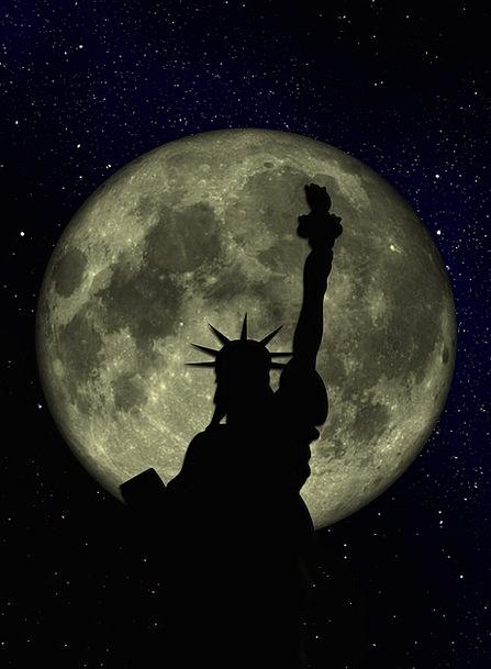 Moon Romanticize Filled Sky Blue Full Manhattan Ni