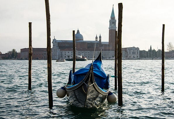 Gondola Church Ecclesiastical Venice Italy Boats S