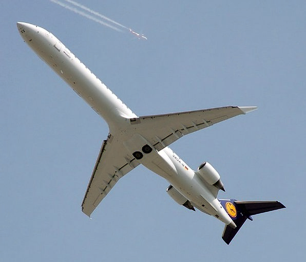 Jet Aircraft Commercial Profitable Airplane Bombar
