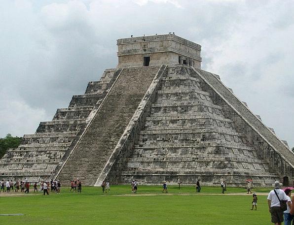 Chichen Itza Mexico Pyramid Aztecs Mayas Incas