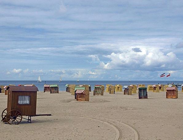 Beach Seashore Vacation Bats Travel Baltic Sea Clu