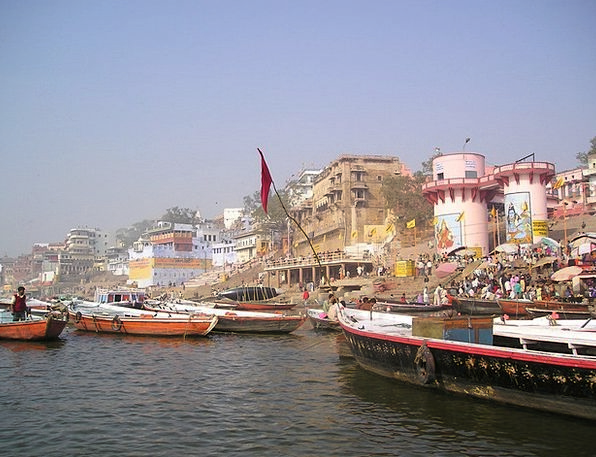 India Holy Consecrated Ganges River Stream Boats S