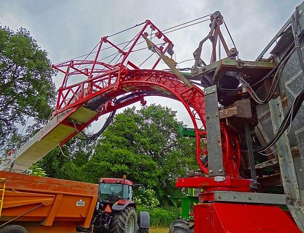 Combine Harvester Reaper Mill Harvester Flour Dust