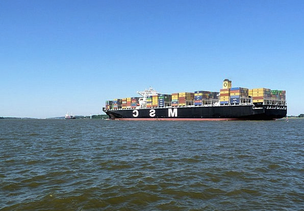 Elbe Vessel Container Ship Ship Shipping Delivery