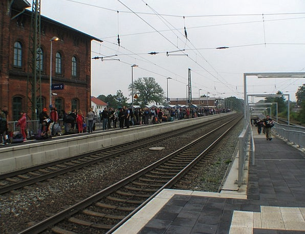 Train Pullman Wait Delay Rail Passengers Track Pat