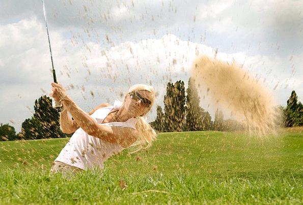 Golf Tee T-shirt Golfer Pretty Golf Clubs Bunker C