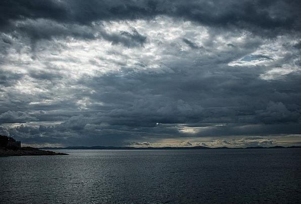 Clouds Vapors Storm Tempest Thunderstorm Clouds Fo