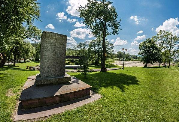 Monument Memorial Buildings Straw-hat Architecture