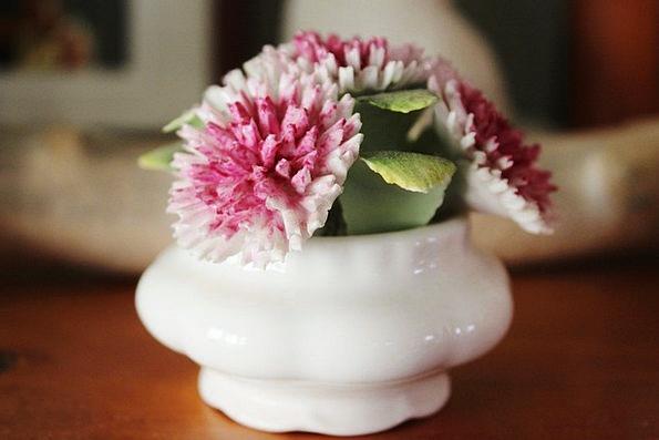 Porcelain China Floret White Snowy Flower Pink Flu