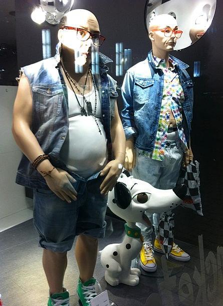Mannequins Dummies Gap Shopping Spending Window Ch