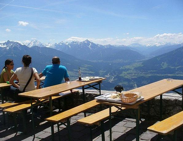 Mountain Guest House Bierbaenke Biertische Rest Br