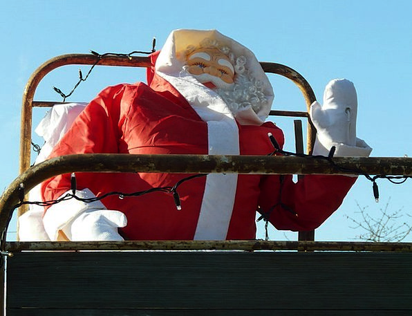 Christmas Wave Upsurge Santa Claus Gloves Ornament