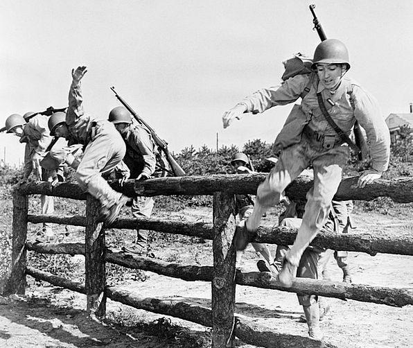 Soldiers Militaries Jump Hurdle Army Steeplechase