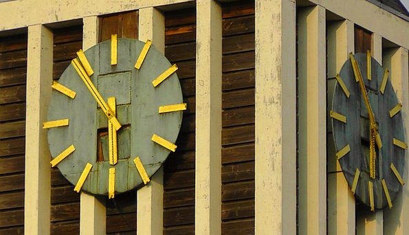Clock Tower Period Clock Timepiece Time Tower Barb