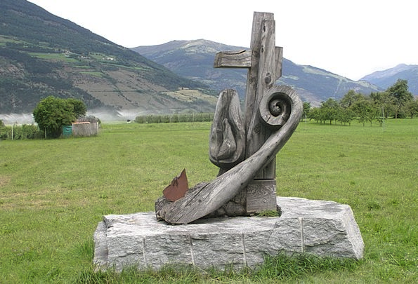 Wood Carving South Tyrol Wood Work Mountains Crags