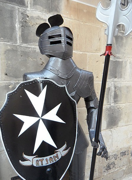 Malta Cavalier Ritterruestung Knight Armor Mail Pe
