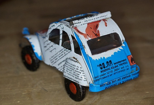 Toys From Africa : Can car car sheet piece auto metal toy car from sheet metal