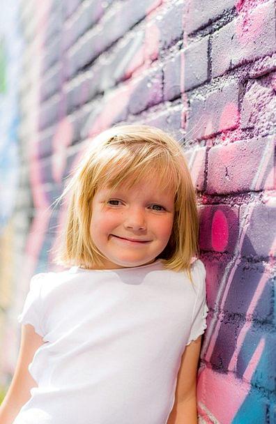 Girl Lassie Partition Mural Fresco Wall Cute Girl