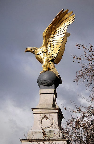 Gilded Sculpture Statue Eagle Golden Excellent Lon
