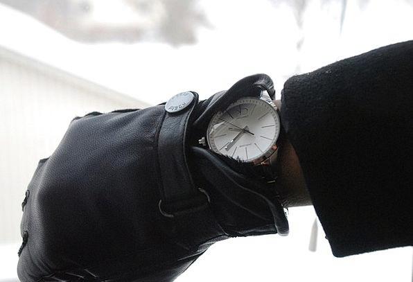 Mittens Timepiece Hands Pointers Watch Cold Emotio