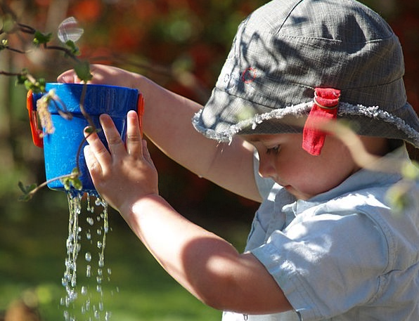 Child Youngster Production Water Aquatic Play Drip