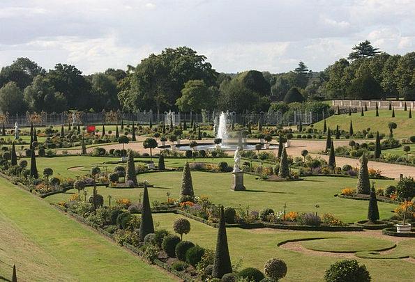 Hampton Court Parks Sophistication Complexity Gard