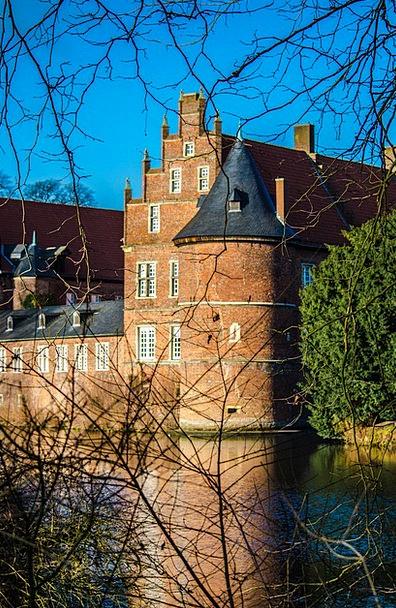 Castle Fortress Romance Latin-based Herten
