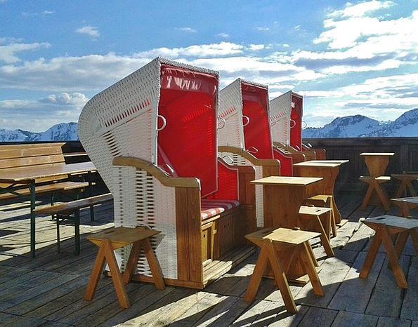 Clubs Bats Vacation Travel Sun Terrace Ski Holiday
