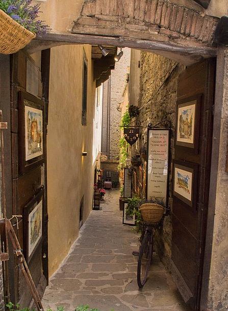 Cortona Backstreet Frames Edges Alley Italy