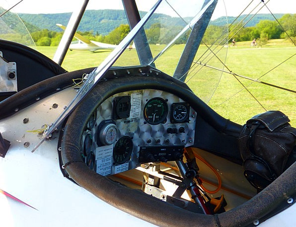 M17 Airplane Aerobatics Stunts Aircraft Cockpit Ar