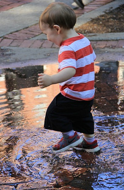 Wee Tiny Child Splashes Squelches Kid Water Aquati