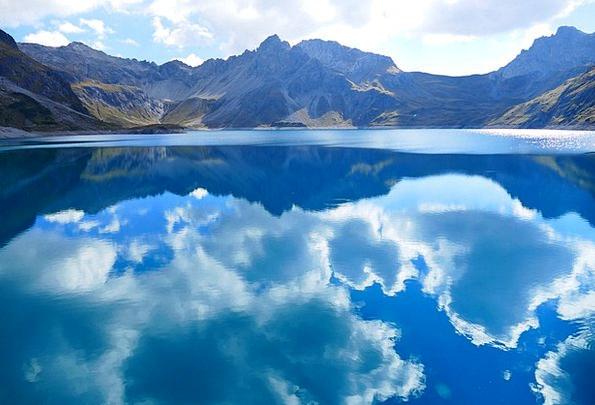 Lüner Lake Vapors Mirroring Reflecting Clouds Berg