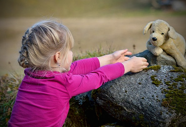Child Youngster Lassie Blond Fair-haired Girl Tedd
