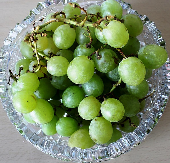 Grapes Lime White Grapes Green Crystal Glass Table