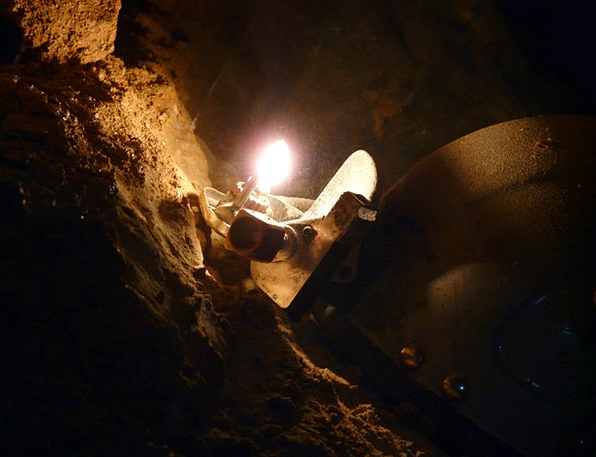Cave Cavern Speleology Cavers Helm Wheel Darkness