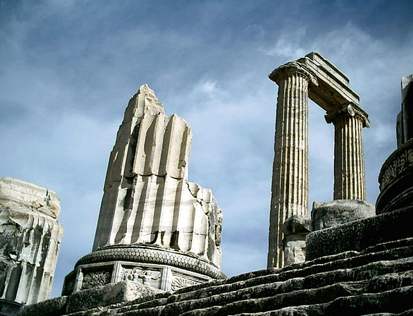 Didyma Turkey Temple Of Apollo Monuments Memorials