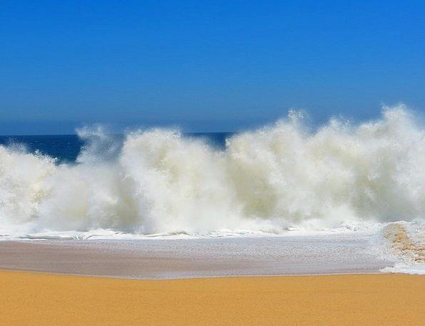 Crashing Waves Vacation Travel Mexico Lover'S Beac