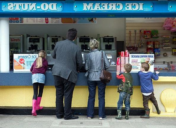 Ice Cream Stall Doughnut Calories Man Gentleman St