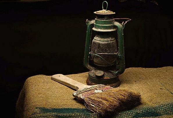 Lantern And Brush Encounter Painting Image Brush C