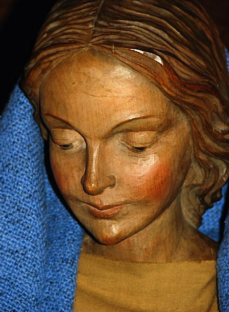 Maria Wood Timber Santon Tender Holy Consecrated F