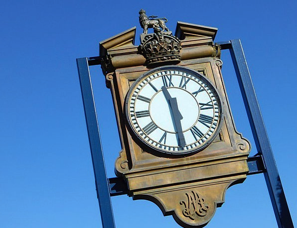 Clock Timepiece Period Outdoors Out-of-doors Time