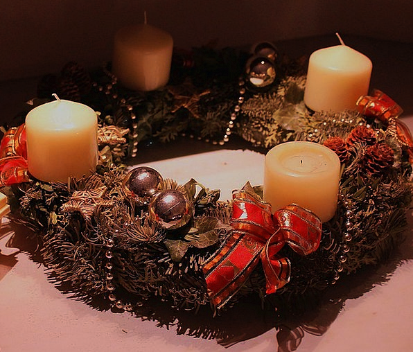 Advent Wreath Break Candlelight Lowlight Holiday C