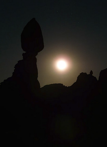 Balanced Rock Nightly Moonlight Moonbeam Night Usa